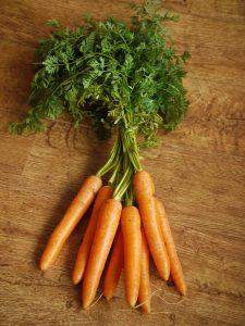 carrots-1112020_1920